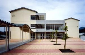 皆野中学校校舎(皆野町)