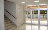 小鹿野高校(小鹿野町)玄関ホール